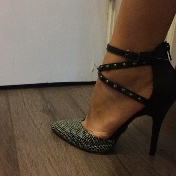 Rock & Republic Shoes - Rock and republic black heels
